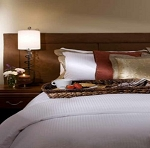 HOTEL-RESORT Exclusive-Luxury Wrinkle Free, 250 TC White Sateen Stripe (Tone-on-Tone) Cotton Duvet Cover