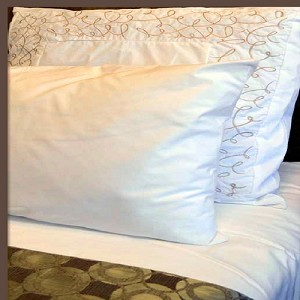 Crease Resistant, 300 Tc Plain-Solid White Hotel Casino Bed Sheets, Queen Flat - 90 x 110""