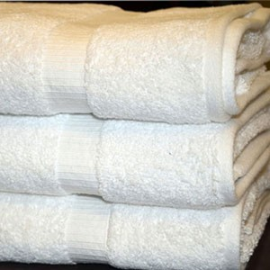 "Oxford BELLEZZA-Ribbed Dobby Border, 100% Ringspun Cotton, Bath Mats 20x30"", 7.0 Lbs/Dz: White (Low as $23.99/dz)"